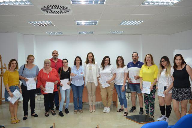 Doce personas obtienen el certificado de profesionalidad en Atención sociosanitaria tras superar con éxito el programa formativo desarrollado por el Ayuntamiento - 1, Foto 1