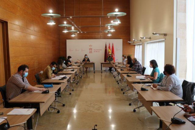 Servicios Sociales se reúne con entidades sociales para coordinar sus aportaciones a la estrategia local de personas sin hogar - 1, Foto 1