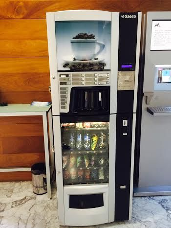 Se aprueba el pliego para contratar la instalación y explotación de máquinas expendedoras de bebidas y otros productos, Foto 2
