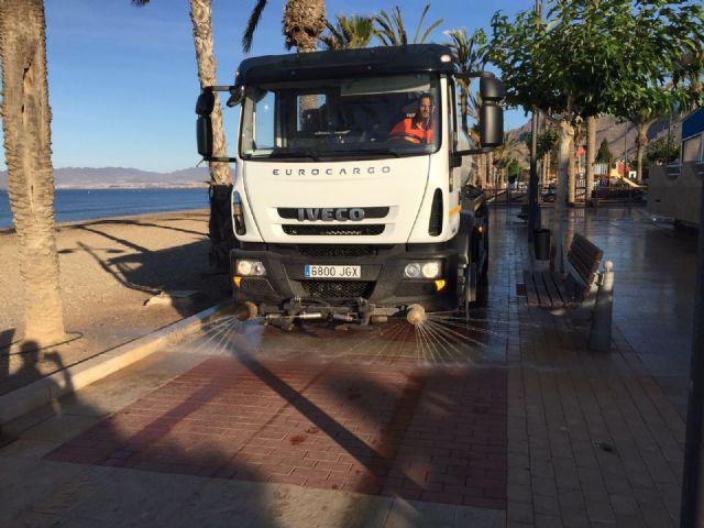 El ayuntamiento amplía el servicio de limpieza reforzando horarios y renovando maquinaria, Foto 3