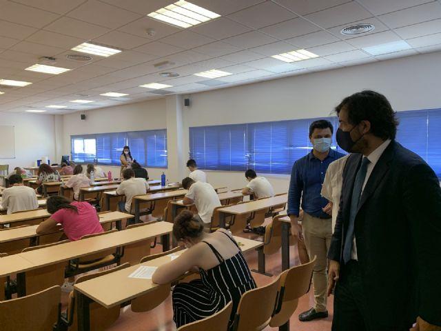El alcalde de San Javier, José Miguel Luengo pide que San Javier sea sede permanente de la EBAU - 1, Foto 1