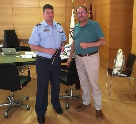 El alcalde se reúne con el nuevo comandante del Acuartelamiento Aéreo de Sierra Espuña (EVA-13) en el marco de un encuentro institucional, Foto 1