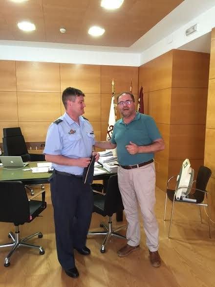 El alcalde se reúne con el nuevo comandante del Acuartelamiento Aéreo de Sierra Espuña (EVA-13) en el marco de un encuentro institucional, Foto 3