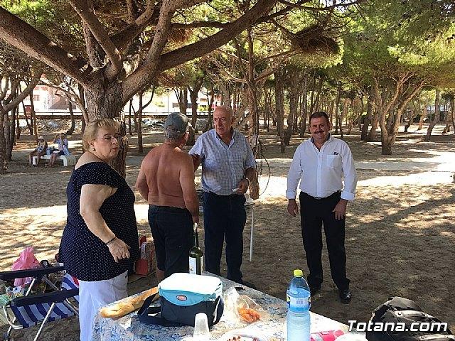 Autoridades municipales clausuran, con su visita, el programa de viajes a la Cala del Pino 2017, Foto 4