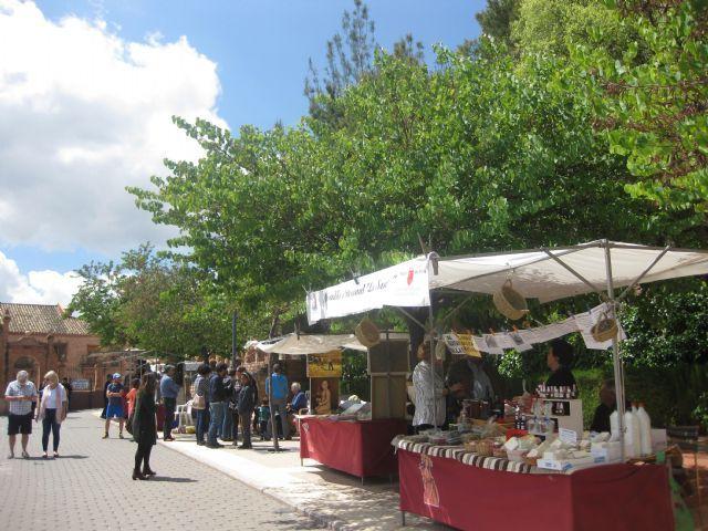El día 1 de octubre se retoma la temporada del tradicional Mercadillo Artesano de La Santa, Foto 1