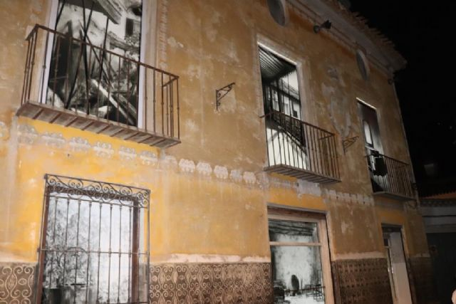 El pintor ceheginero, Paco Fernández, vuelca su ingenio creativo en La visita - 2, Foto 2