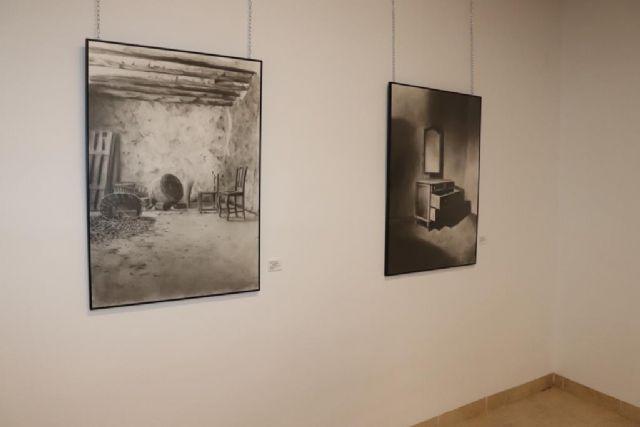 El pintor ceheginero, Paco Fernández, vuelca su ingenio creativo en La visita - 4, Foto 4