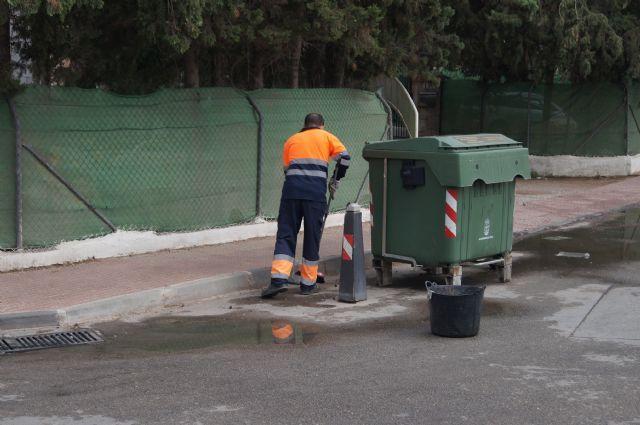 No se recogerá la basura la noche del martes a miércoles de la semana próxima por la festividad del Pilar, Día de la Fiesta Nacional, Foto 1