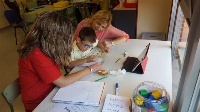 Familia reconoce la labor de Abamur en el tratamiento de niños con trastornos del espectro autista - 1, Foto 1