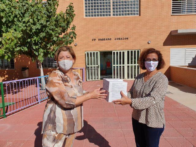 Nota de prensa sobre reparto de mascarillas en centros docentes de Molina de Segura - 1, Foto 1