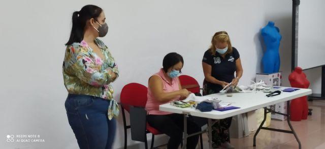 """La Concejalía de Servicios Sociales y Proyecto Abraham ponen en marcha el curso """"Camina entre Telas"""" para la mejora de la empleabilidad - 4, Foto 4"""