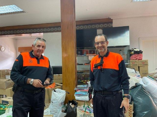 Camino de La Palma el material donado por los vecinos de Alhama - 1, Foto 1