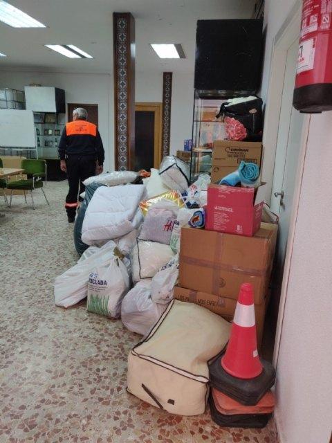 Camino de La Palma el material donado por los vecinos de Alhama - 2, Foto 2