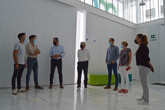 El alcalde López Manzanera visita la empresa local de prefabricados de hormigón Montalbán y Rodríguez - 4, Foto 4