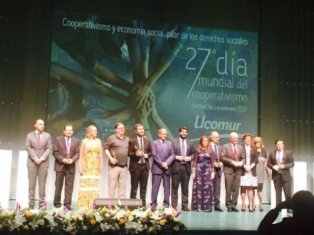 Local officials of the City Council attend the ceremony that celebrates UCOMUR on the occasion of the World Day of Cooperativism, in Cartagena - 3