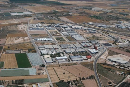 "Ganar Totana is adamantly opposed to ""strangulating"" the Industrial Estate with operations such as the Commercial Park project ""that we understand speculatively and without consistency"" - 1"