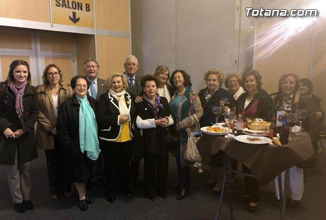 Un numeroso grupo de Amas de Casa de Totana asistieron al Foro Interalimentario SEPOR 2018, Foto 1