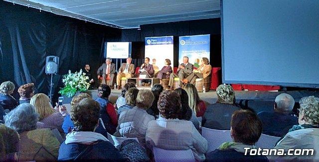Un numeroso grupo de Amas de Casa de Totana asistieron al Foro Interalimentario SEPOR 2018, Foto 3
