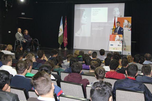 El IES Dos Mares celebra la Semana Europea de la Formación Profesional con talleres, charlas y mesas redondas - 1, Foto 1
