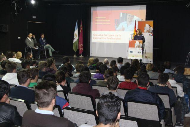 El IES Dos Mares celebra la Semana Europea de la Formación Profesional con talleres, charlas y mesas redondas - 2, Foto 2