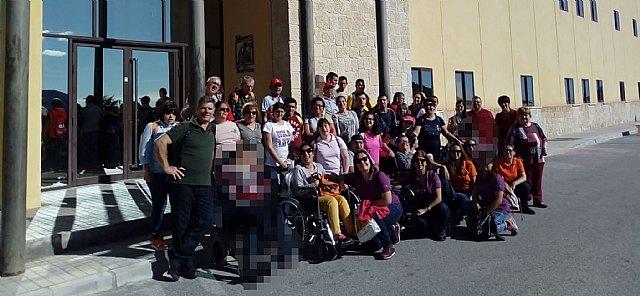Visita de los usuarios del Centro de Día de Personas con Discapacidad a Jijona al Museo del Turrón, Foto 1