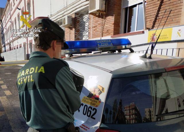La Guardia Civil detiene en Mazarrón a una mujer dedicada a cometer robos, Foto 2