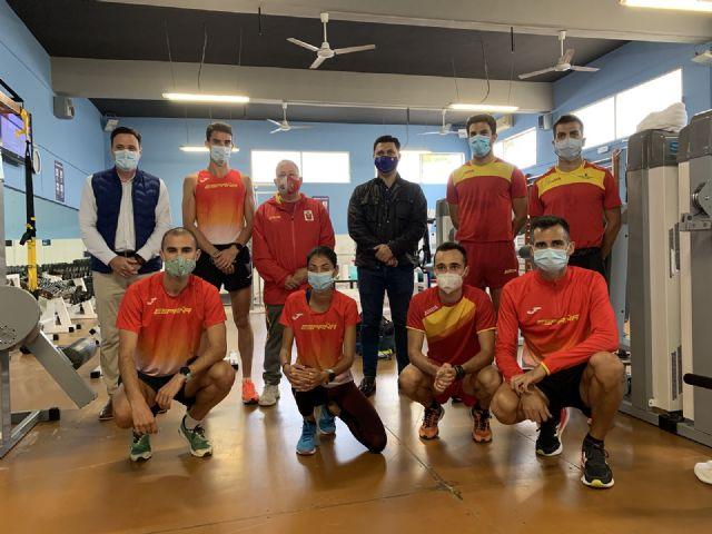 Los marchadores de la Selección de atletismo de España entrenan en San Javier - 1, Foto 1