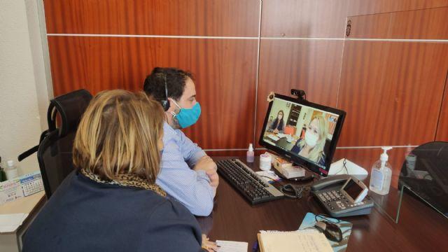 El Alcalde de Los Alcázares y la Concejala de Política Social solicitan al IMAS la ampliación del número de plazas de las residencias concertadas de la localidad - 1, Foto 1