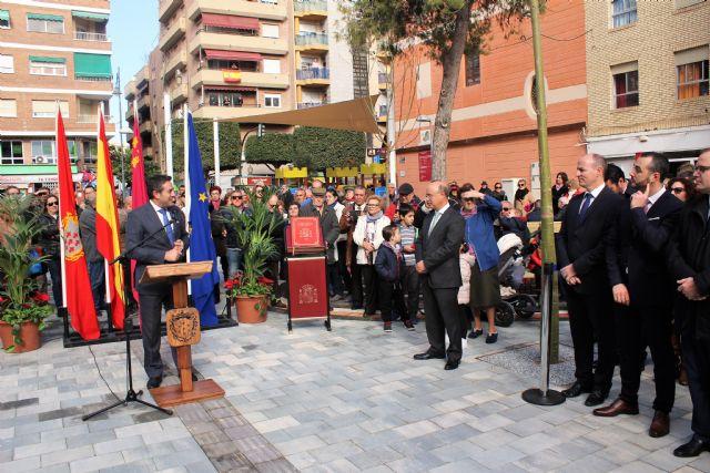 Abre a los vecinos de Alcantarilla, la plaza de la Constitución, conmemorando así también el Día de la Constitución en nuestro municipio - 1, Foto 1