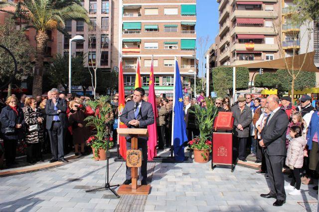 Abre a los vecinos de Alcantarilla, la plaza de la Constitución, conmemorando así también el Día de la Constitución en nuestro municipio - 2, Foto 2
