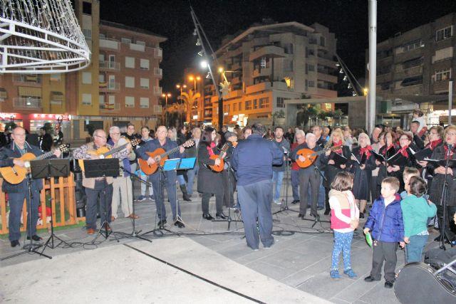 Desde ayer tarde Alcantarilla ya luce su alumbrado navideño y se presentó la programación de Navidad Cultural - 2, Foto 2