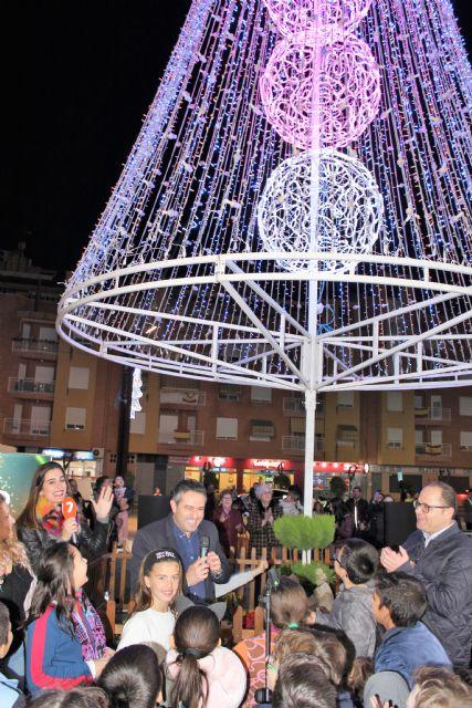 Desde ayer tarde Alcantarilla ya luce su alumbrado navideño y se presentó la programación de Navidad Cultural - 4, Foto 4