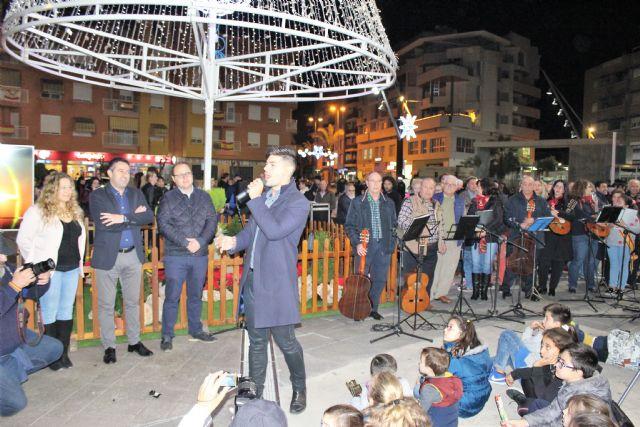 Desde ayer tarde Alcantarilla ya luce su alumbrado navideño y se presentó la programación de Navidad Cultural - 5, Foto 5