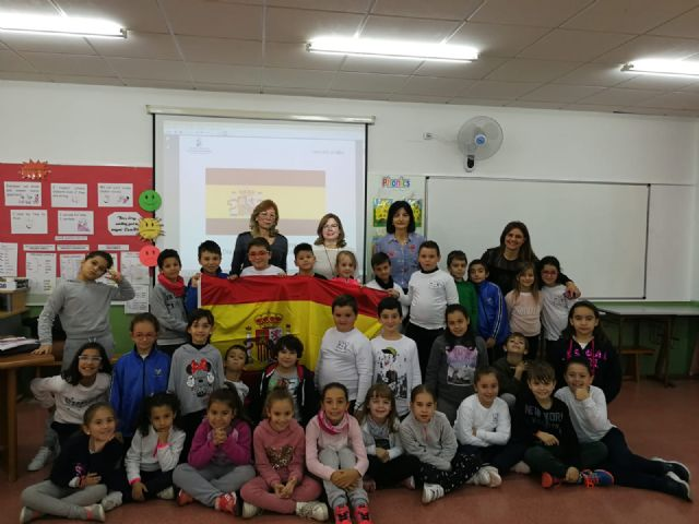 Los escolares de San Pedro del Pinatar protagonizan la celebración del 40 aniversario de la Constitución Española - 2, Foto 2