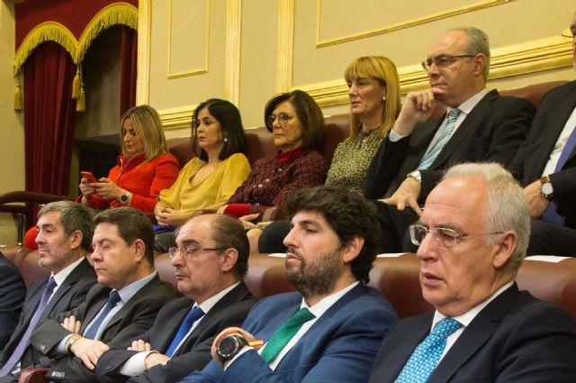 López Miras: Defender la Constitución es respaldar y proteger la igualdad de todos en derechos y oportunidades - 1, Foto 1