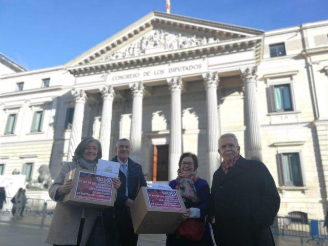 130.000 firmas de adhesión a la iniciativa sobre el IVA de la donación de alimentos, Foto 1