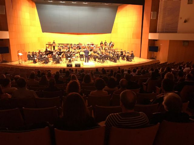 El auditorio Víctor Villegas de Murcia acoge el primero de los dos conciertos de la Banda Sinfónica de la Federación de Bandas de la Región de Murcia, solidarios con las enfermedades raras - 2, Foto 2