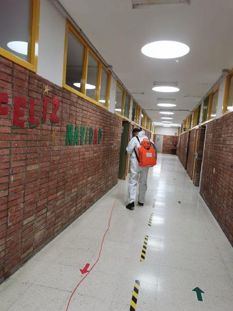 La Concejalía de Educación refuerza las labores de desinfección en los centros educativos de cara a la vuelta a las aulas - 1, Foto 1