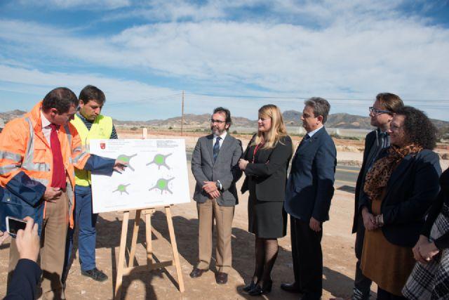 Las obras de la rotonda de acceso al Complejo Deportivo finalizarán antes de Semana Santa, Foto 3