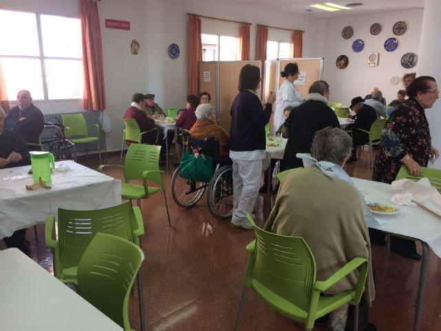 Se prorroga un año el contrato de gestión del servicio de catering y comedor en los centros día con discapacidad intelectual José Moyá y personas con enfermedad mental, Foto 1