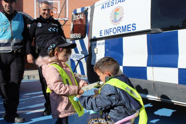 Policía Local y Protección Civil difunden su labor entre los escolares - 2, Foto 2
