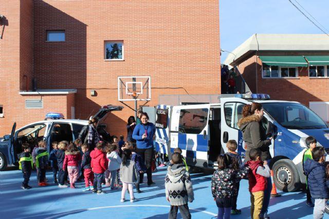 Policía Local y Protección Civil difunden su labor entre los escolares - 3, Foto 3