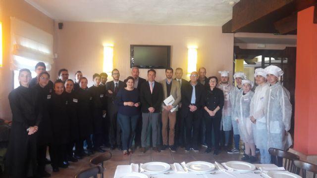 52 jóvenes desempleados lorquinos han participado en las acciones formativas para hostelería, cocina y restauración puestas en marcha por la concejalía de Desarrollo Local - 1, Foto 1