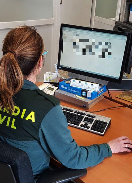 La Guardia Civil esclarece una estafa continuada mediante el uso de tarjetas de crédito, Foto 2