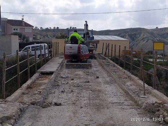 El Ayuntamiento inicia las obras de reparación del puente de Los Rodeos sobre la Vía Verde - 1, Foto 1