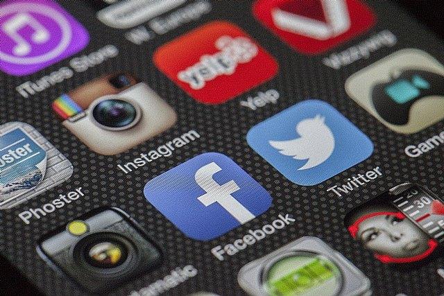 Las redes sociales, ¿ayuda u obstáculo para superar el duelo? - 1, Foto 1