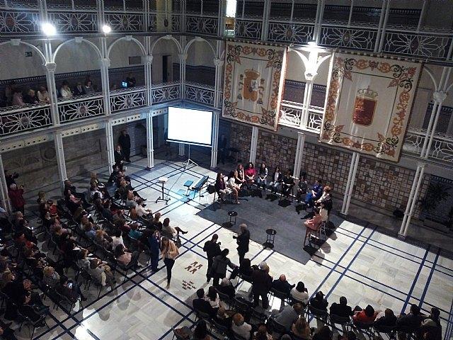 La Asociación de Mujeres Rurales del Raiguero asistió al evento Mujeres de Rompe y Rasga celebrado en la Asamblea Regional, Foto 3