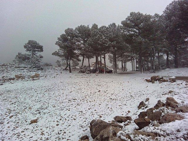 Las primeras nieves del invierno llegan a las cotas más altas del parque regional de Sierra Espuña, Foto 2