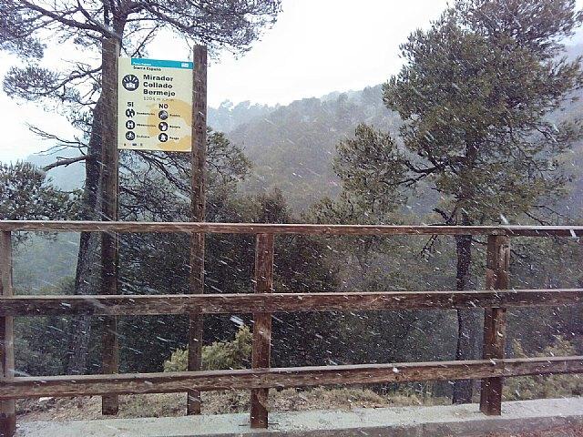 Las primeras nieves del invierno llegan a las cotas más altas del parque regional de Sierra Espuña, Foto 4