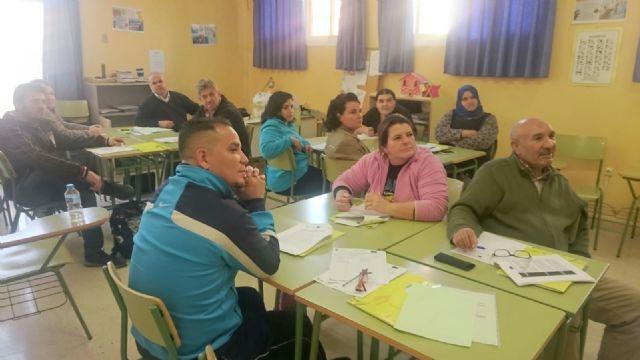 Más de 40 personas en desempleo de Totana y Alhama inician cursos de formación, en el marco del Programa Labor, Foto 1